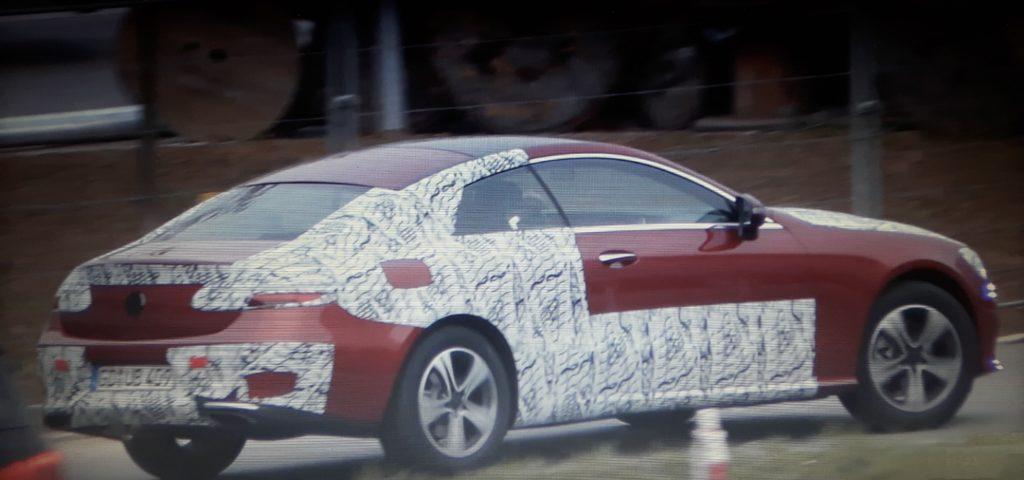 Mercedes Classe E Coupe: la nuova generazione è già su strada. [VIDEO SPIA]
