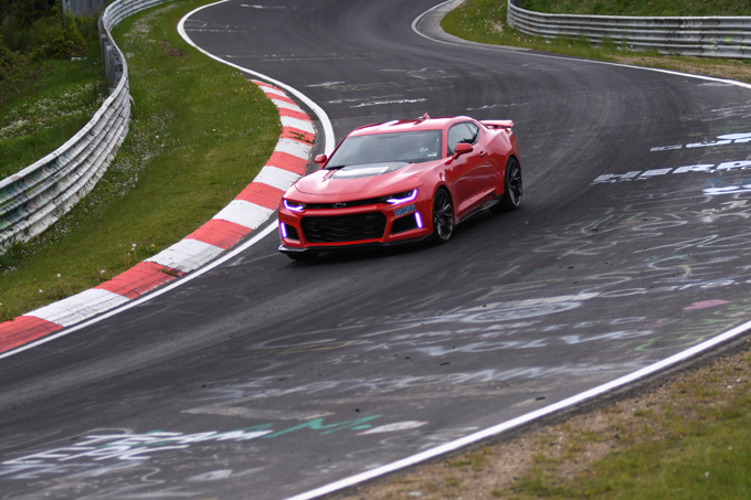 Chevrolet Camaro ZL1: all'attacco del Nurburgring [VIDEO]