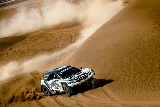 Peugeot al Rally del Marocco 2016, 3^ tappa: prima vittoria della 3008 DKR con Carlos Sainz