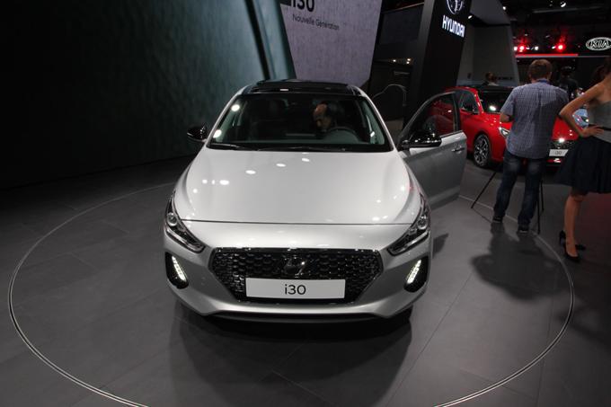 Hyundai i30: la terza generazione al Salone di Parigi 2016 [VIDEO INTERVISTA]