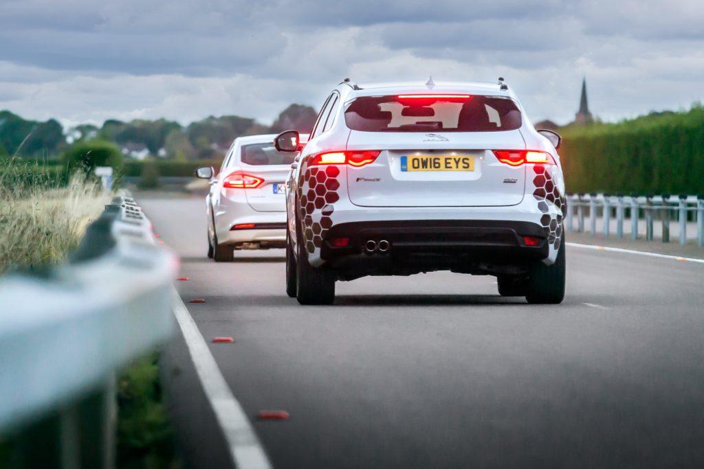 Jaguar Land Rover collabora con Ford nella ricerca sulle auto connesse