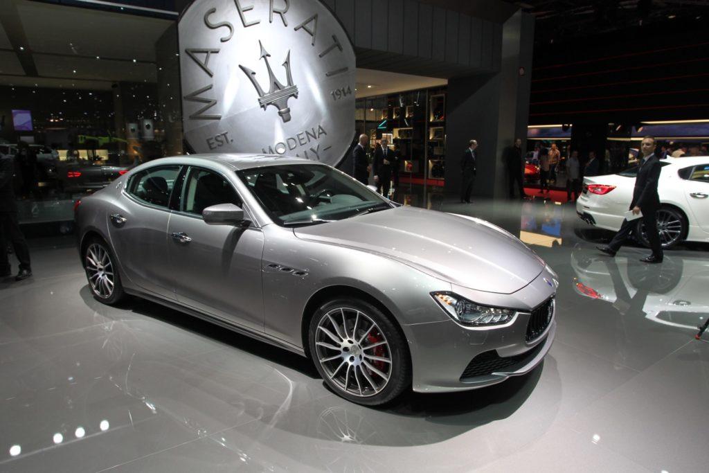 Maserati Ghibli Il Restyling Si Presenta Al Salone Di