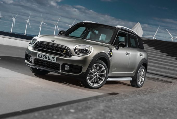 MINI Cooper S E Countryman ALL4: il marchio britannico apre all'ibrido [FOTO]
