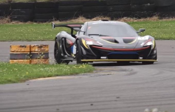 McLaren P1 GTR, dimostrazione di forza in pista [VIDEO]