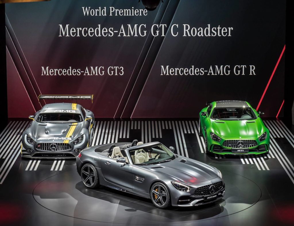 Mercedes-AMG GT Roadster, l'open-top due posti che ha stregato il Salone di Parigi