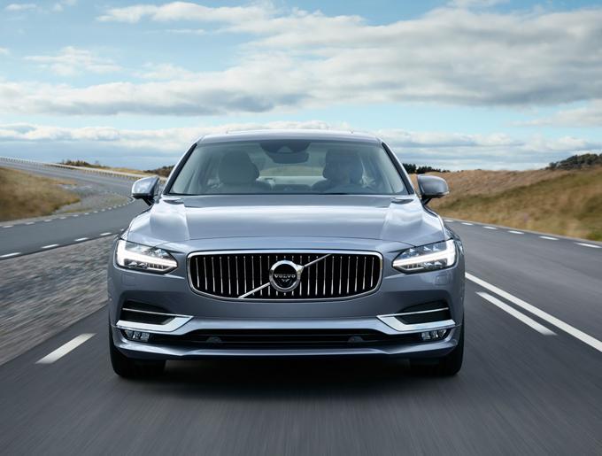 Volvo: la tecnologia V2V sulla gamma della Serie 90 entro la fine dell'anno