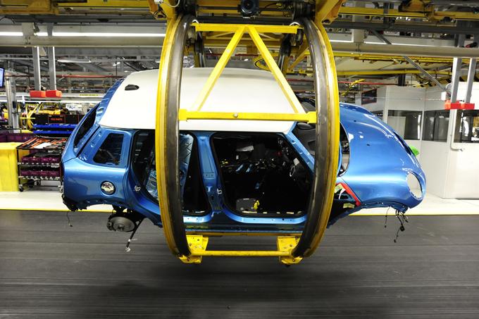 BMW: il futuro della fabbrica Mini di Oxford dopo l'esito di Brexit