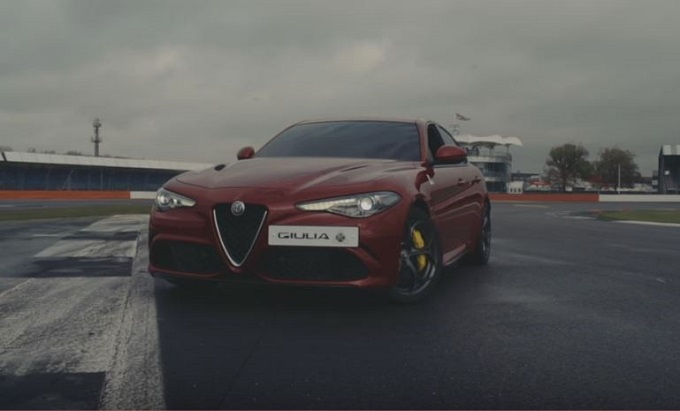 """Alfa Romeo Giulia Quadrifoglio: record """"al buio"""" sulla pista di Silverstone [VIDEO]"""