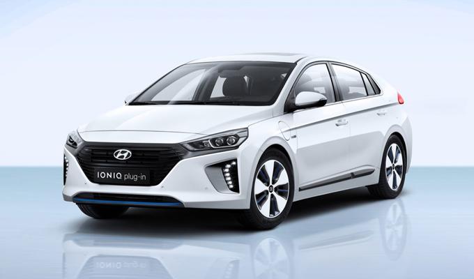 Hyundai IONIQ plug-in: la reattività e silenziosità di un nuovo movimento [FOTO]