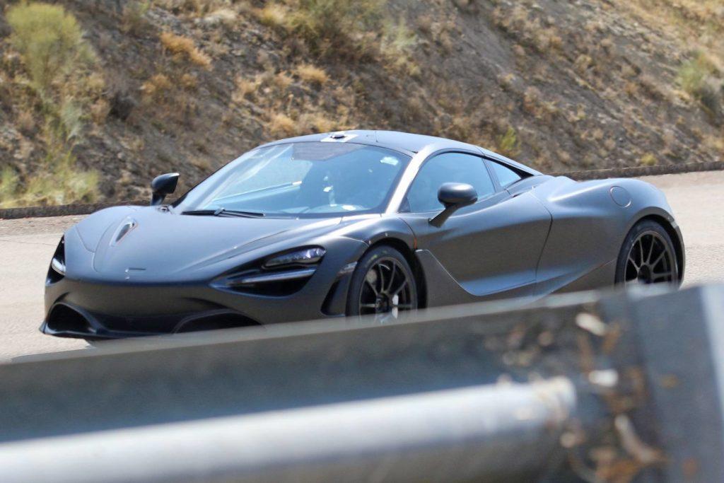 McLaren P14: test drive per l'erede della 650S [FOTO SPIA]