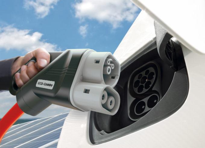 Infrastrutture per elettriche e ricarica rapida: maxi joint venture tra cinque colossi dell'automotive