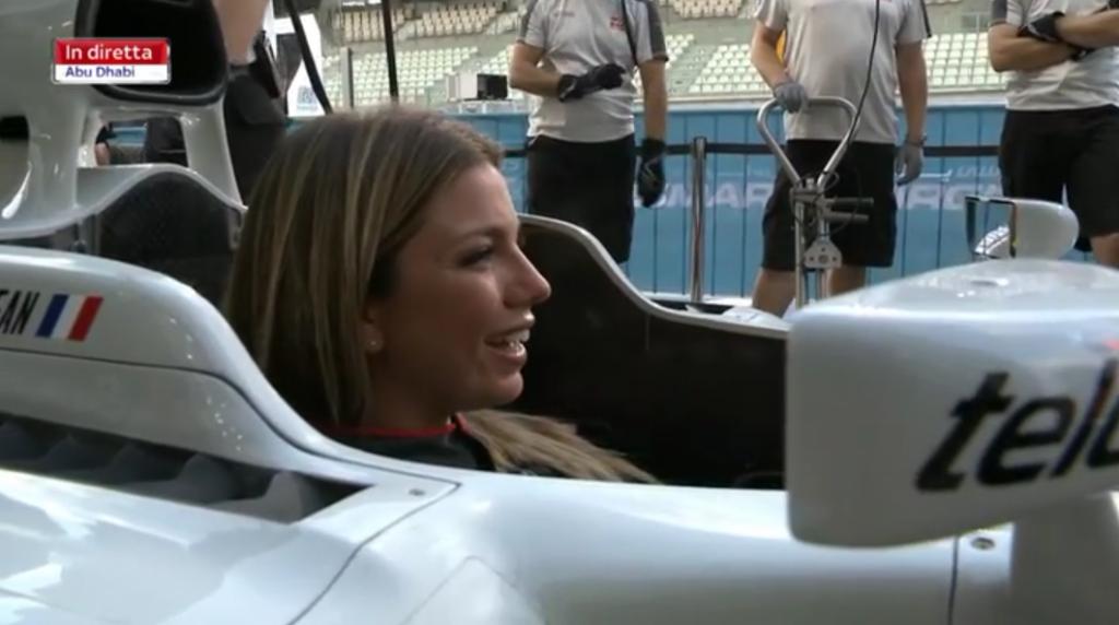 Haas F1 Team: Federica Masolin protagonista di un vero pit stop su una monoposto di Formula 1 [VIDEO]