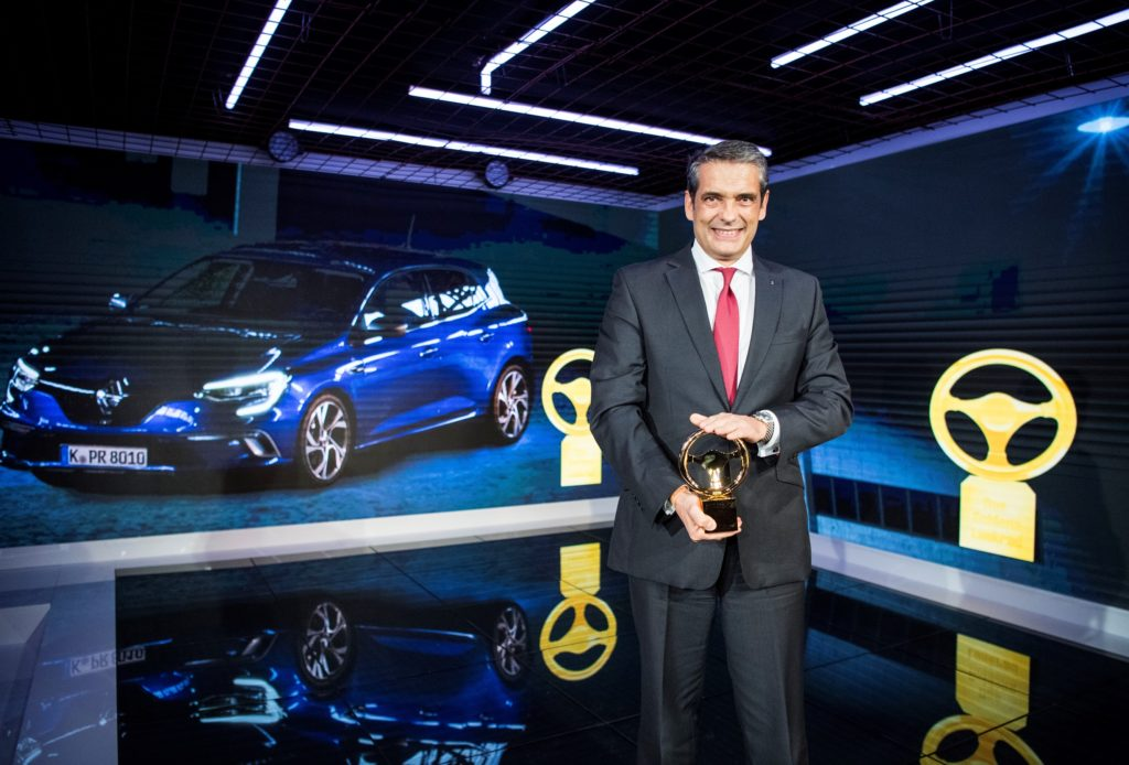 """Renault vince il premio """"Volante d'Oro"""" 2016"""