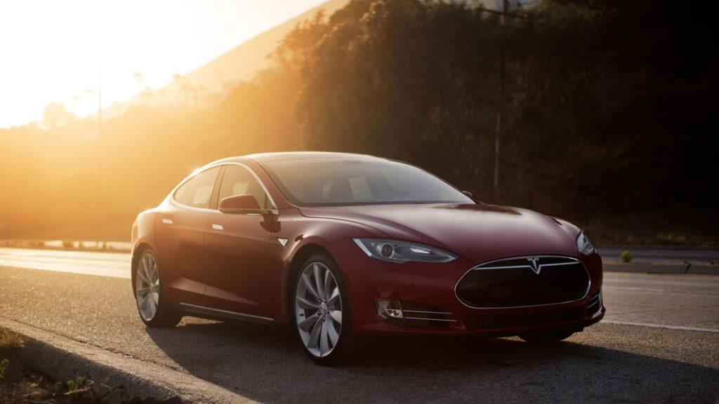 Tesla Model S la 90D esce fuori gamma
