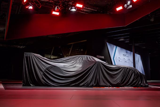 Porsche 911 RSR 2017 al Salone di Los Angeles: manca poco al calo dei veli della nuova GT