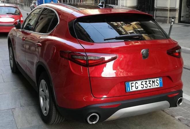 Alfa Romeo Stelvio Su Strada La Versione Benzina Da 280 Cv Video