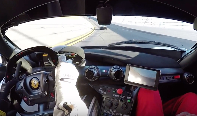 Ferrari FXX K: visione on-board e sensazioni da pilota a Daytona [VIDEO]