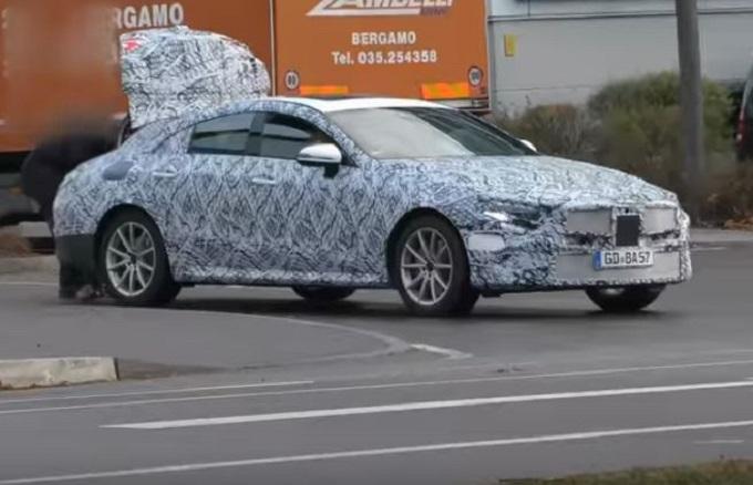 Mercedes CLS: il muletto della prossima generazione continua i test [VIDEO SPIA]