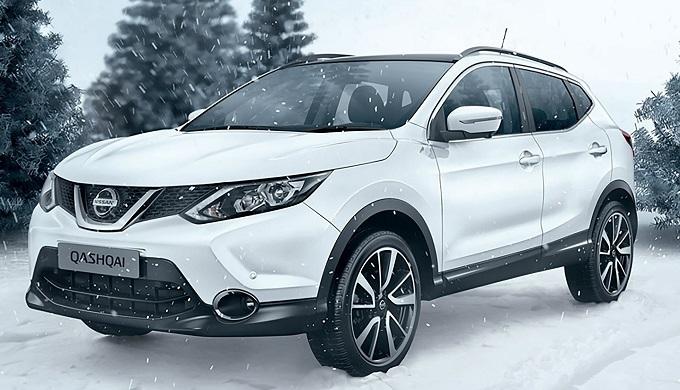 Nissan Qashqai rende il Natale White Pearl Brillant