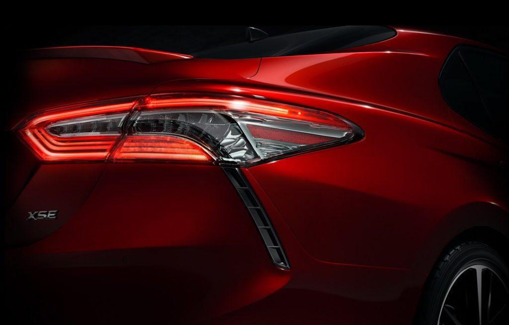 Toyota Camry, primo assaggio della nuova generazione della berlina [TEASER]