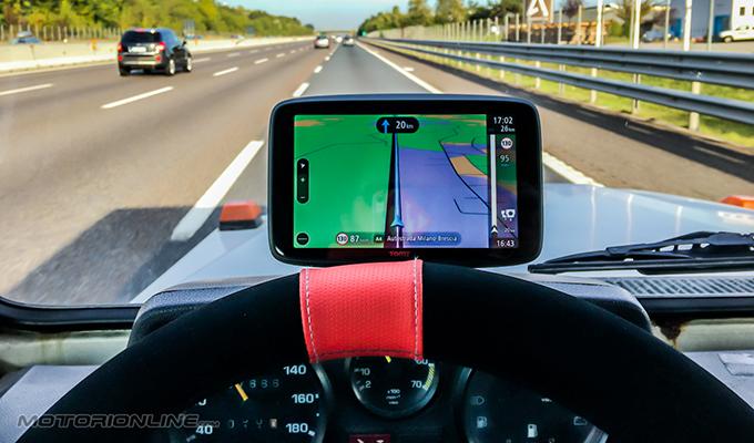TomTom Go 6200 WiFi, il navigatore che si aggiorna senza computer [RECENSIONE]