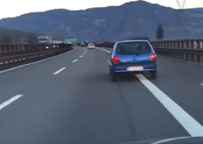 Ford Fiesta semina il panico sulla A22: denunciato il 30enne alla guida, era ubriaco [VIDEO]