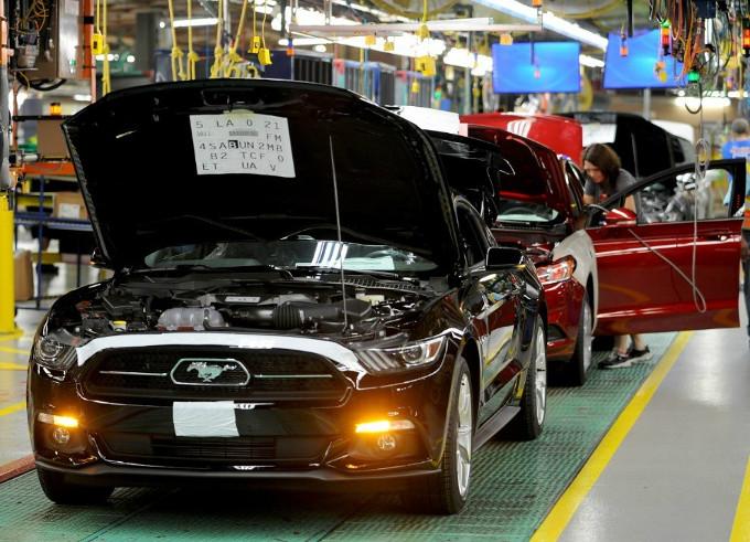 Trump: 'Ford cancella fabbrica in Messico e investe in Usa'