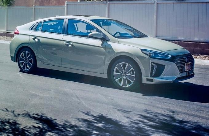 CES 2017: Hyundai presenta le novità tech per la mobilità di domani [LIVE STREAMING]