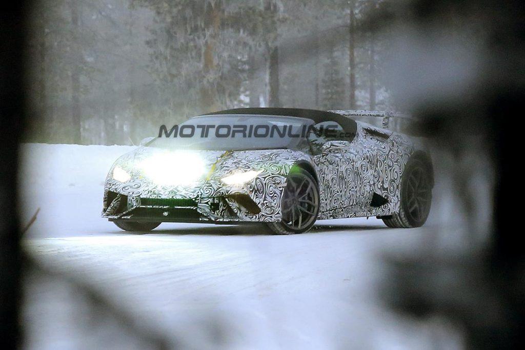 Lamborghini Huracan Superleggera Coupe e Spyder - Foto spia 09-01-2017