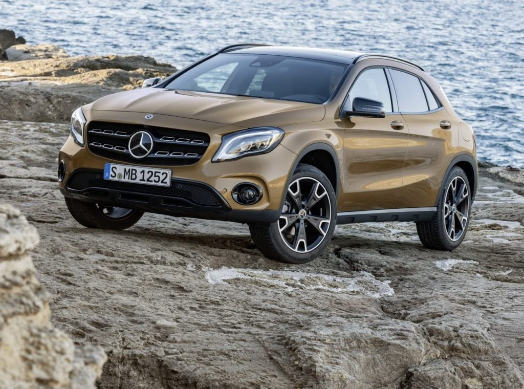 Mercedes GLA MY 2018: il restyling fa capolino al Salone di Detroit [FOTO e VIDEO]