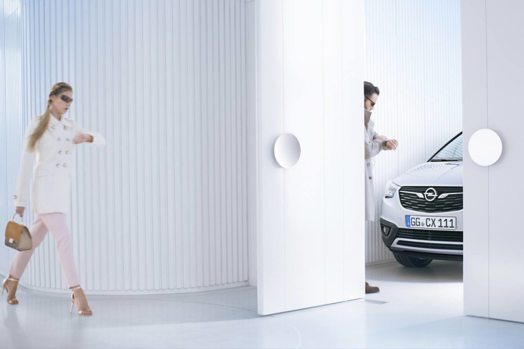 Opel Crossland X: arriva un primo assaggio a 48 ore dal debutto [TEASER]