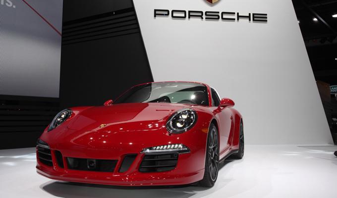 Porsche 911 GTS MY 2017: l'affinamento di una visione sportiva [FOTO LIVE E VIDEO]