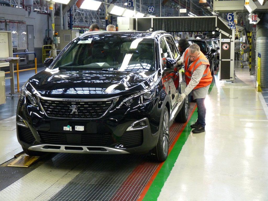 Nuova Peugeot 5008, introdotto un nuovo turno di lavoro a Rennes per far fronte alla produzione