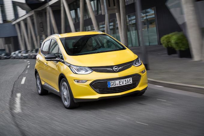 Opel Ampera-e vince il 'Paul Pietsch Award' per le tecnologie innovative
