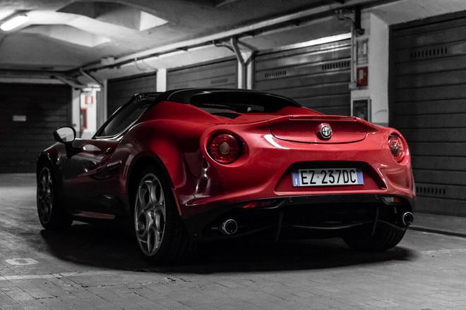 Alfa_Romeo_4C_Spider_PsS_2017_03