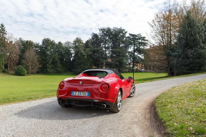 Alfa_Romeo_4C_Spider_PsS_2017_08