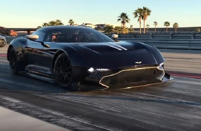 Aston Martin Vulcan: un bolide per il divertimento al volante di Stig [VIDEO]