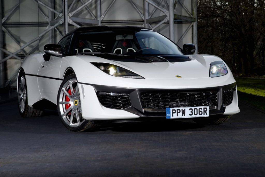 Lotus omaggia l'iconica Esprit S1 di 007 con una one-off della Evora Sport 410 [FOTO]