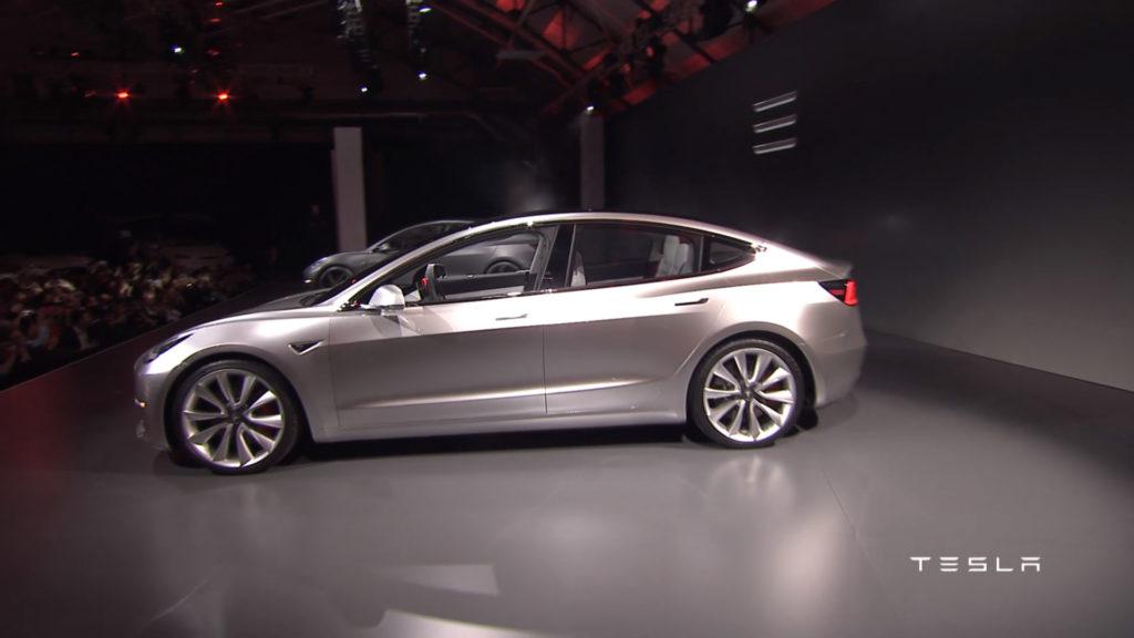 Tesla Model 3: iniziata la fase di pre produzione
