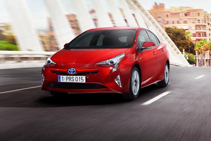 Toyota: le vendite globali di auto ibride raggiungono quota 10 milioni