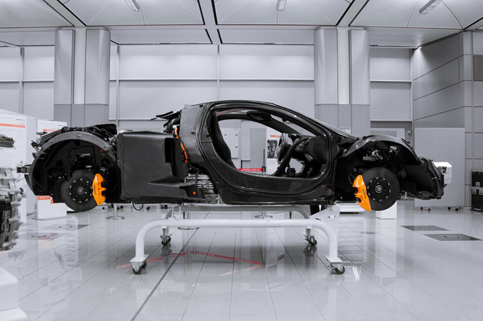 McLaren: nuova fabbrica per la produzione dei telai in carbonio