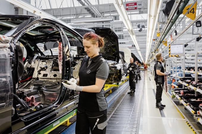 Mercedes: a Sindelfingen i futuri veicoli elettrici del brand EQ