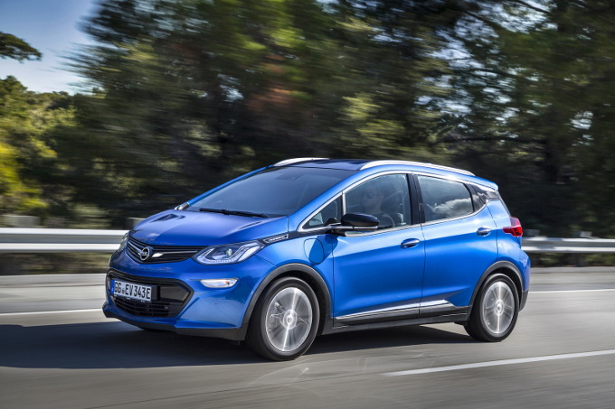 Opel continua lo sviluppo di veicoli elettrici e SUV anche sotto PSA