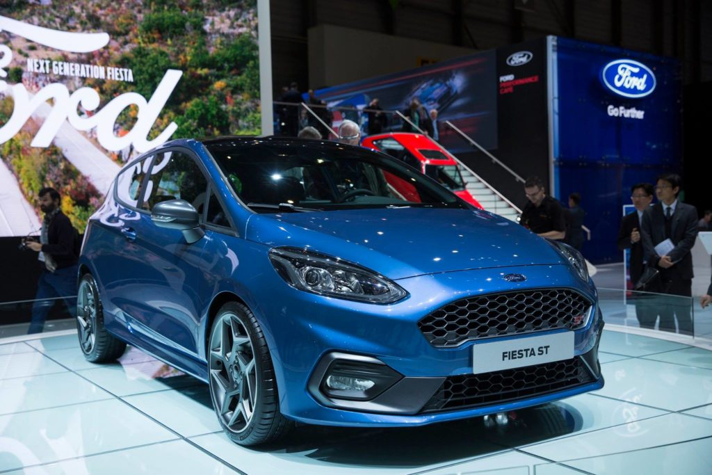 ford fiesta st a ginevra la nuova generazione dell hatchback sportiva foto e video live. Black Bedroom Furniture Sets. Home Design Ideas