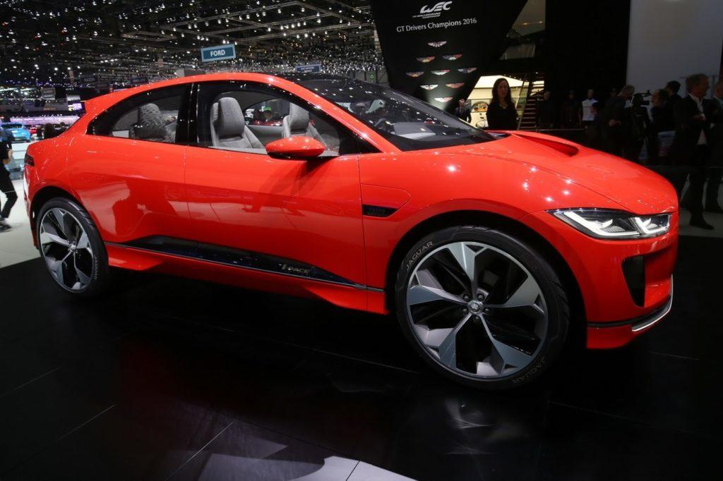 Jaguar i-Pace Concept, il crossover elettrico che verrà seduce Ginevra [VIDEO LIVE]
