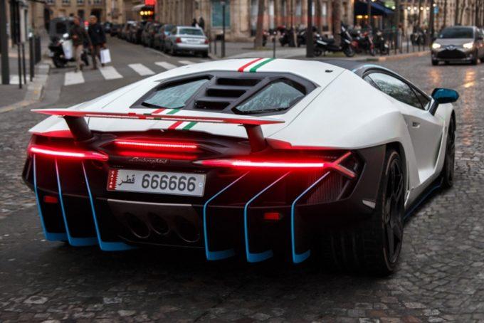 Lamborghini Centenario: i VIDEO del suo avvistamento parigino