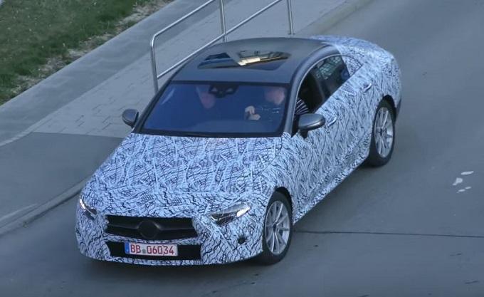 Nuova Mercedes CLS: avvistata in strada la coupé quattro porte [VIDEO SPIA]