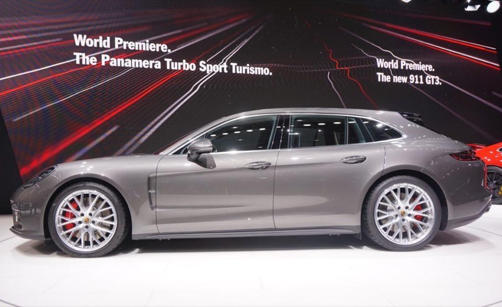 Porsche Panamera Sport Turismo: l'essenza shooting brake protagonista a Ginevra [VIDEO LIVE]