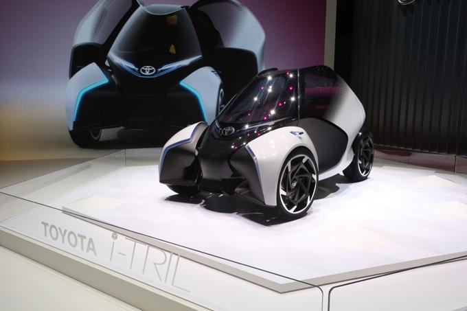 Toyota i-TRIL al Salone di Ginevra 2017: concept elettrica per la mobilità futura [FOTO LIVE]
