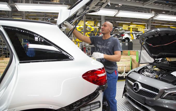 Mercedes, compatte di nuova generazione: produzione anche in Finlandia